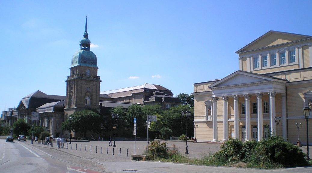 1280px-karolinen-platz-darmstadt